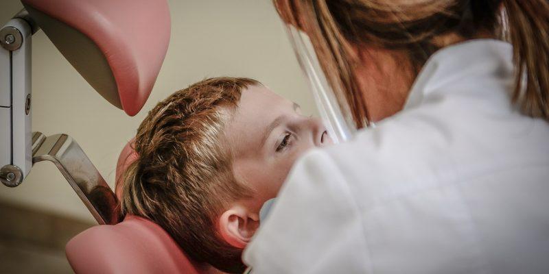 vaiku kruminiu dantu silantavimas